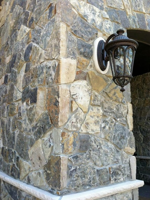 Natural Stone Veneers ǀ Faux Stone Siding ǀ Stone Veneer: Arctic - Natural Thin Stone Veneer
