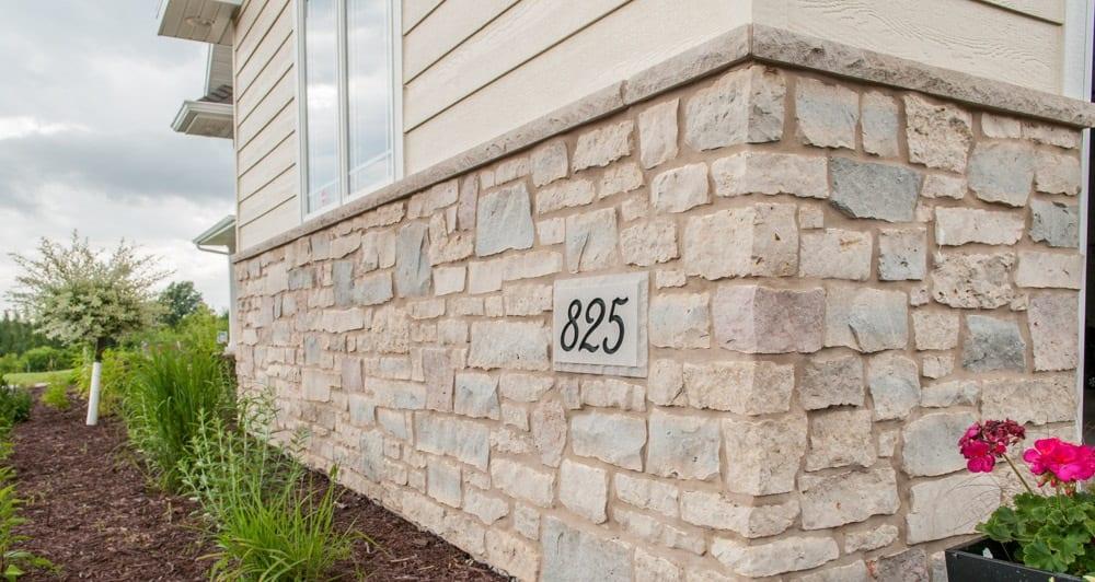 Bellevue Real Stone Veneer Wainscotting
