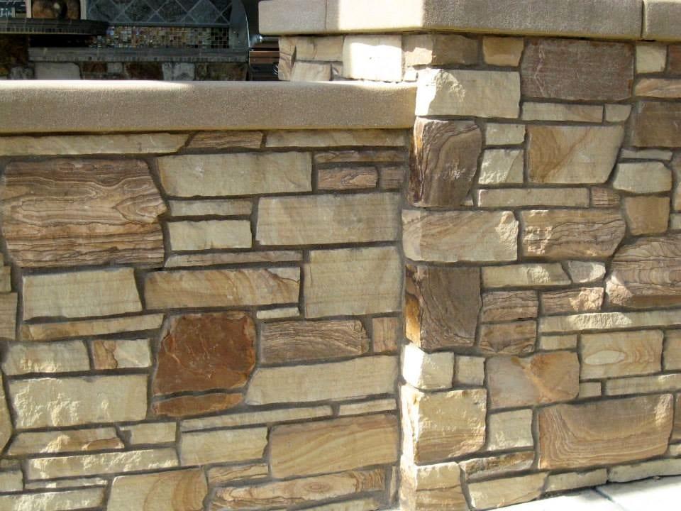 Brentwood Natural Stone Veneer Pillar