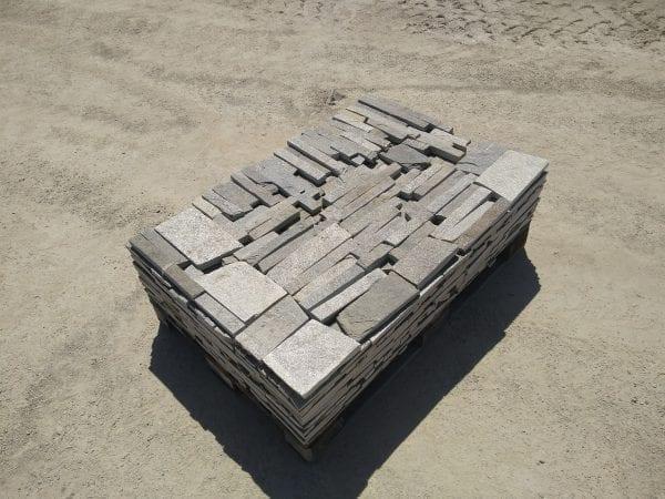Ivory Ledge Natural Thin Stone Veneer Pallet