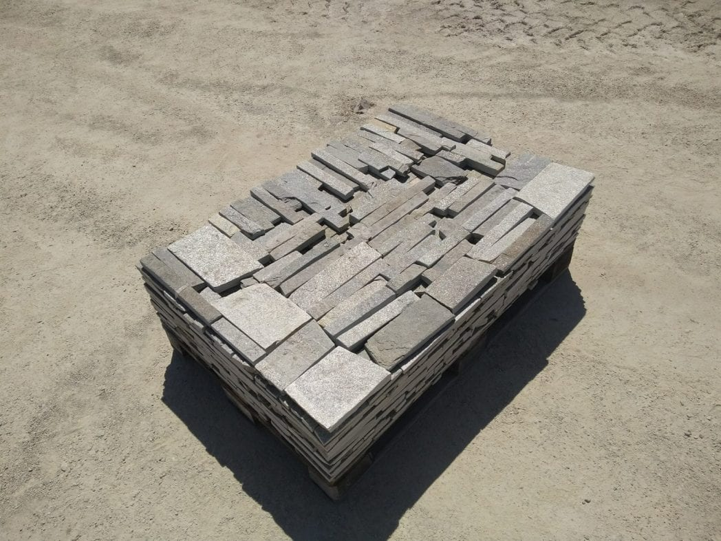 Ivory Ledge Natural Thin Stone Veneer Pallet