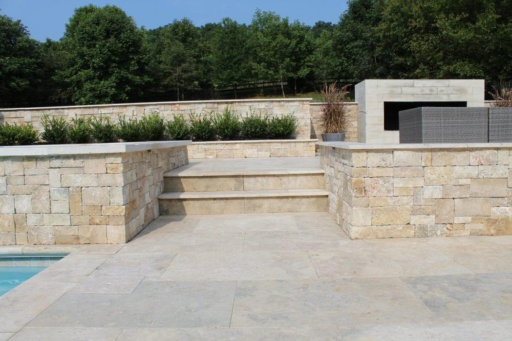 Primavera Thin Stone Veneer Landscape Walls