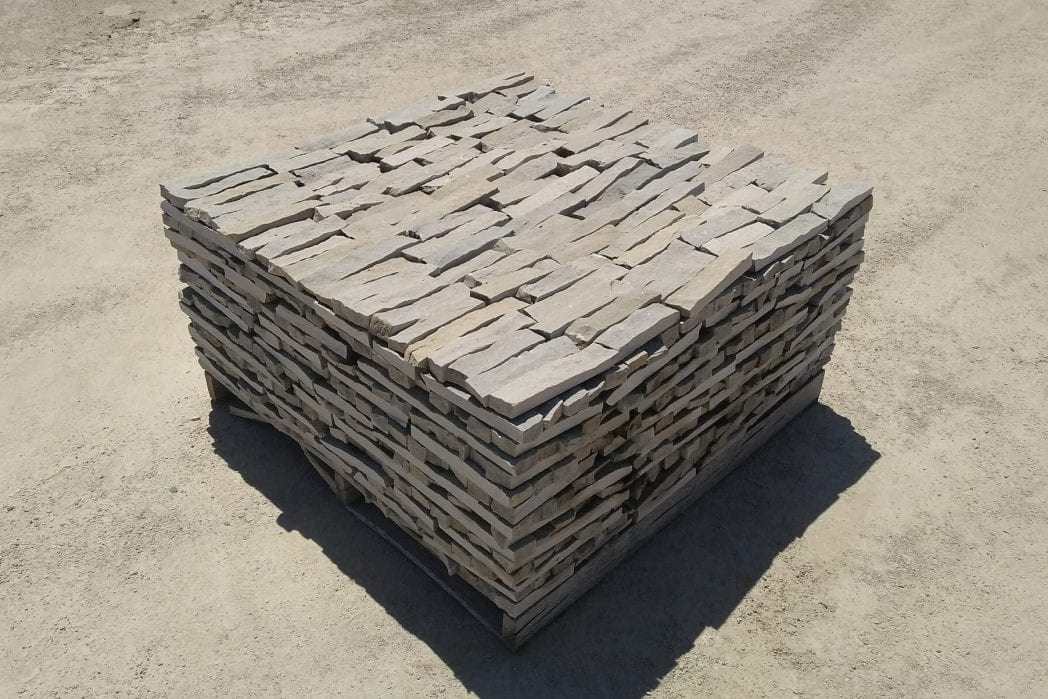Sterling Ledge Natural Thin Stone Veneer Stock Pallet