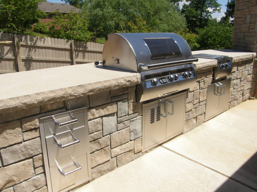 Stonegate Natural Stone Veneer Outdoor Living Grill
