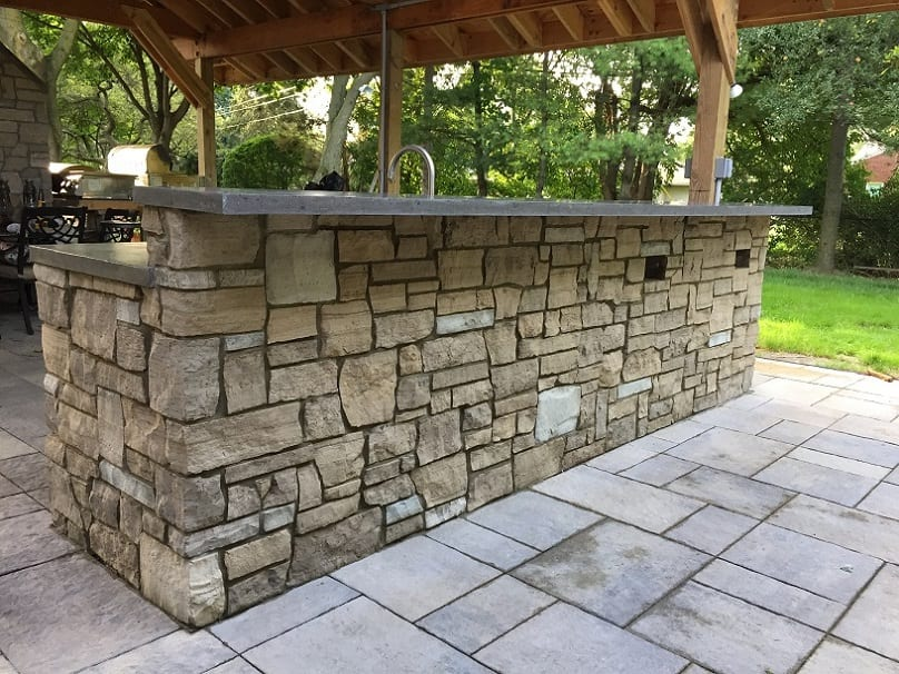 Stonegate Real Stone Veneer Bar