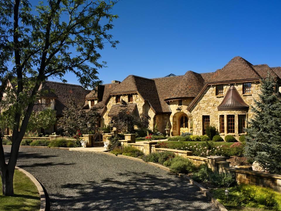 Belvedere Natural Thin Stone Veneer Exterior Residence