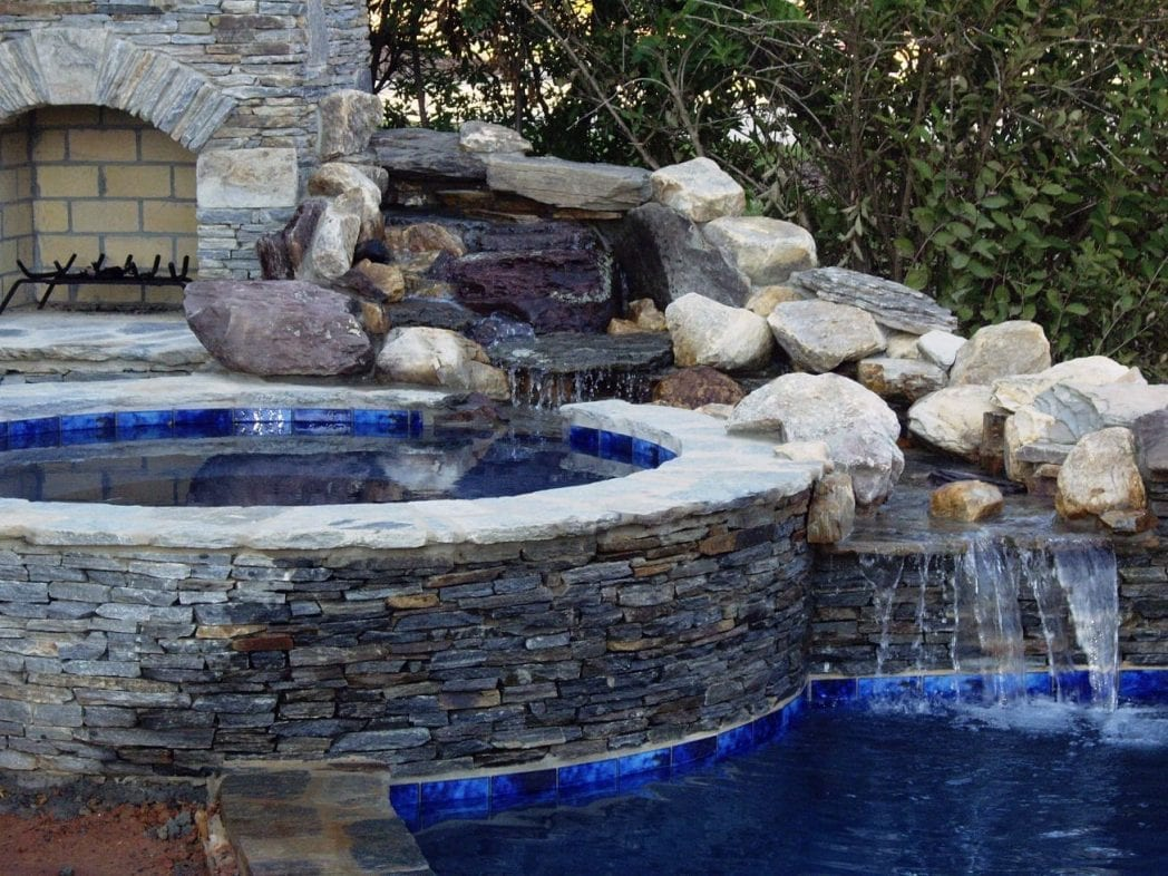 Augusta Natural Stone Veneer Outdoor Living