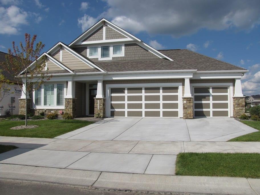 Buckskin Natural Thin Stone Veneer Home