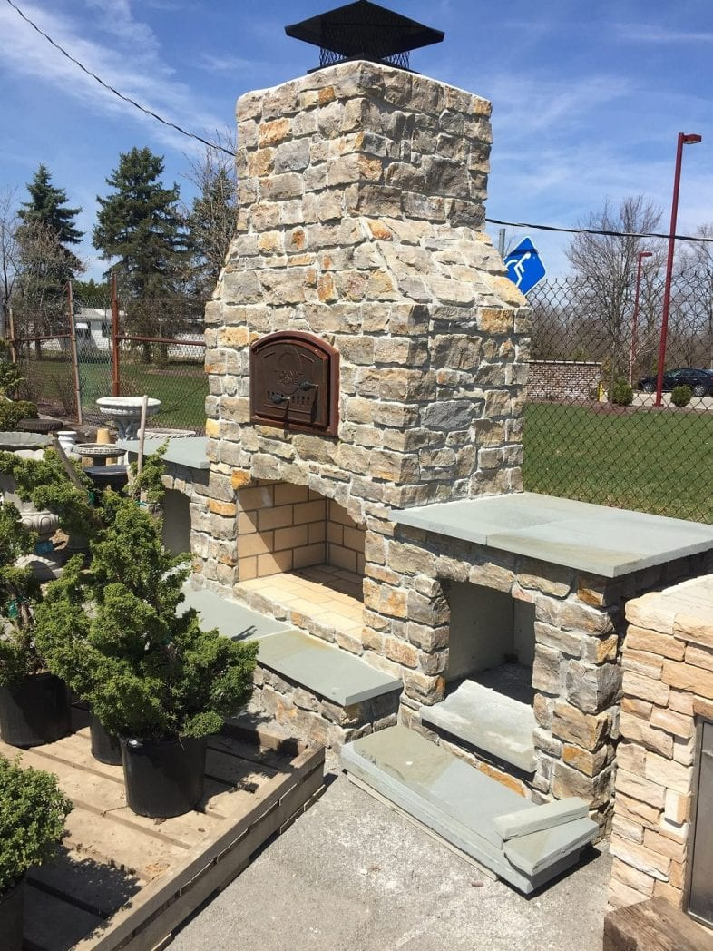 Ephraim Natural Thin Stone Veneer Outdoor Fireplace