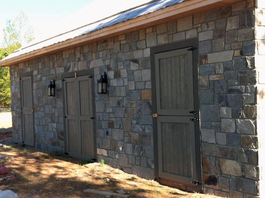 Queen Creek and Hampton Natural Stone Veneer Exterior Blend