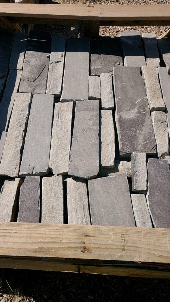 Charcoal Canyon Natural Thin Stone Veneer Stock Pallet