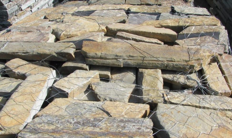 Montana Natural Thin Stone Veneer Flats Standard Pallet Close Up