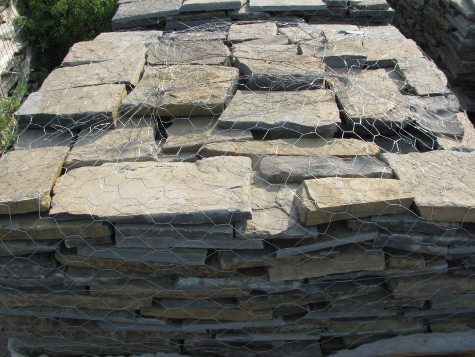 Montana Natural Thin Stone Veneer Flats Standard Pallet