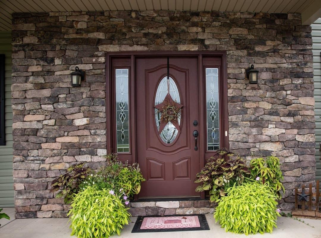Whitney Drystacked Natural Stone Veneer Residential Exterior