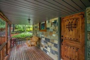 Potomac Oak Canyon Natural Stone Veneer Blend Entrance