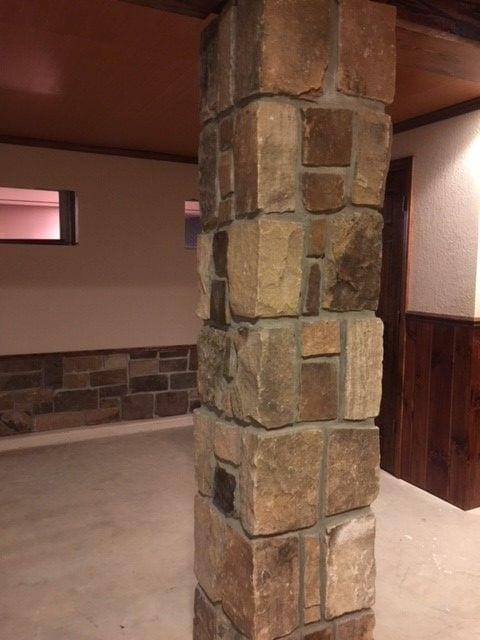 Branson Real Stone Veneer Pillar