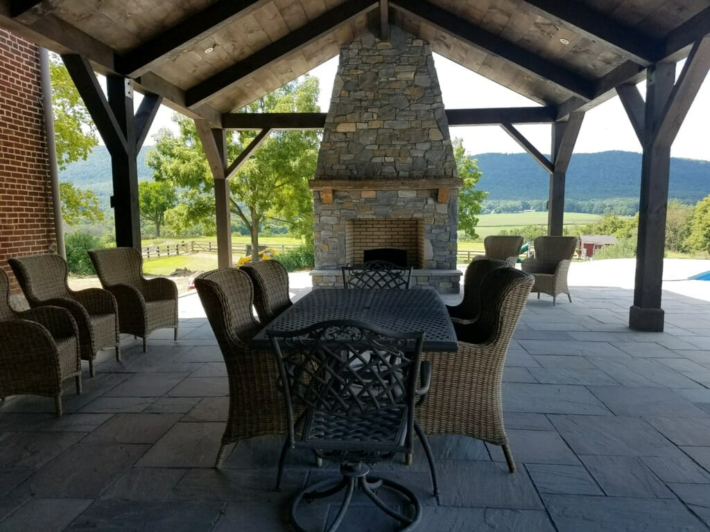 Custom Mosholu Fieldstone and Ephraim Blend Outdoor Living Fireplace