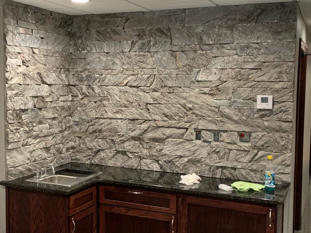 Moonlight Natural Stone Veneer Drystack Interior Wall