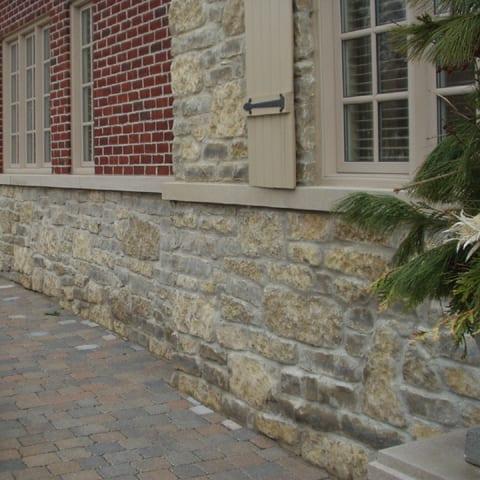 Chateau Natural Stone Veneer Wainscoting