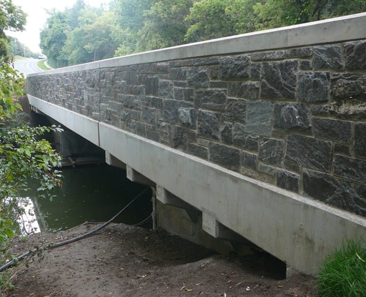Pembroke Real Thin Stone Veneer Commercial Bridge