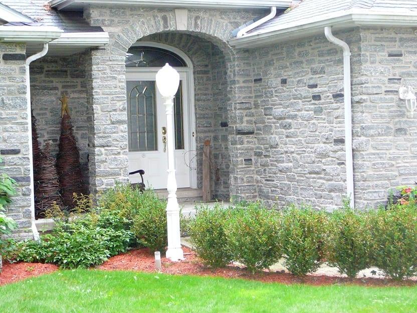 Seaside Natural Thin Stone Veneer Home Exterior