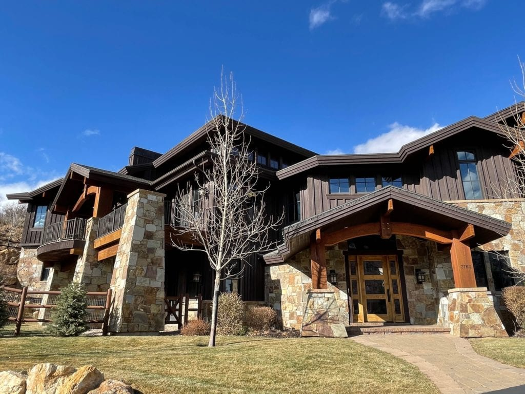 Carson Pass Natural Thin Stone Veneer Home Exterior