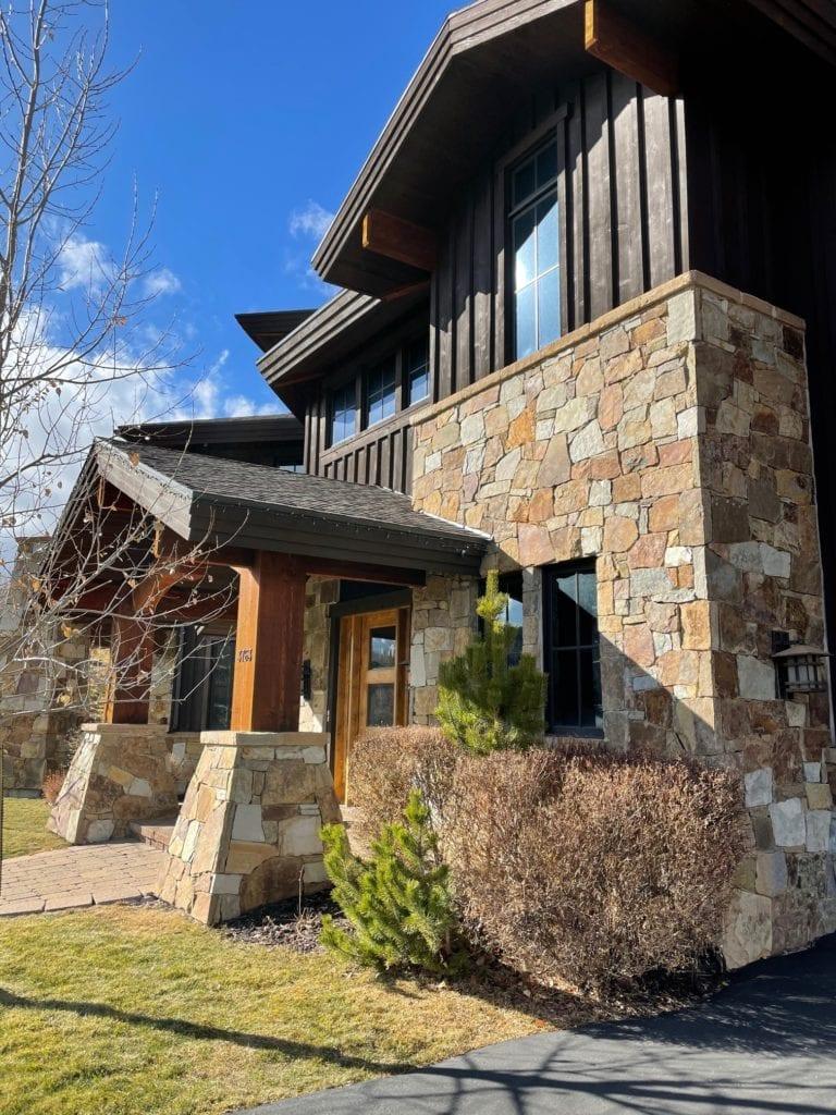 Carson Pass Real Thin Stone Veneer Home Exterior
