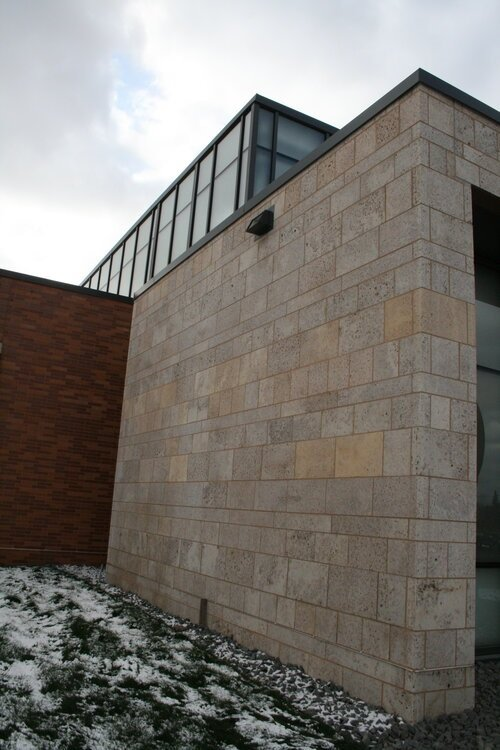 Manchester Natural Thin Stone Veneer Exterior