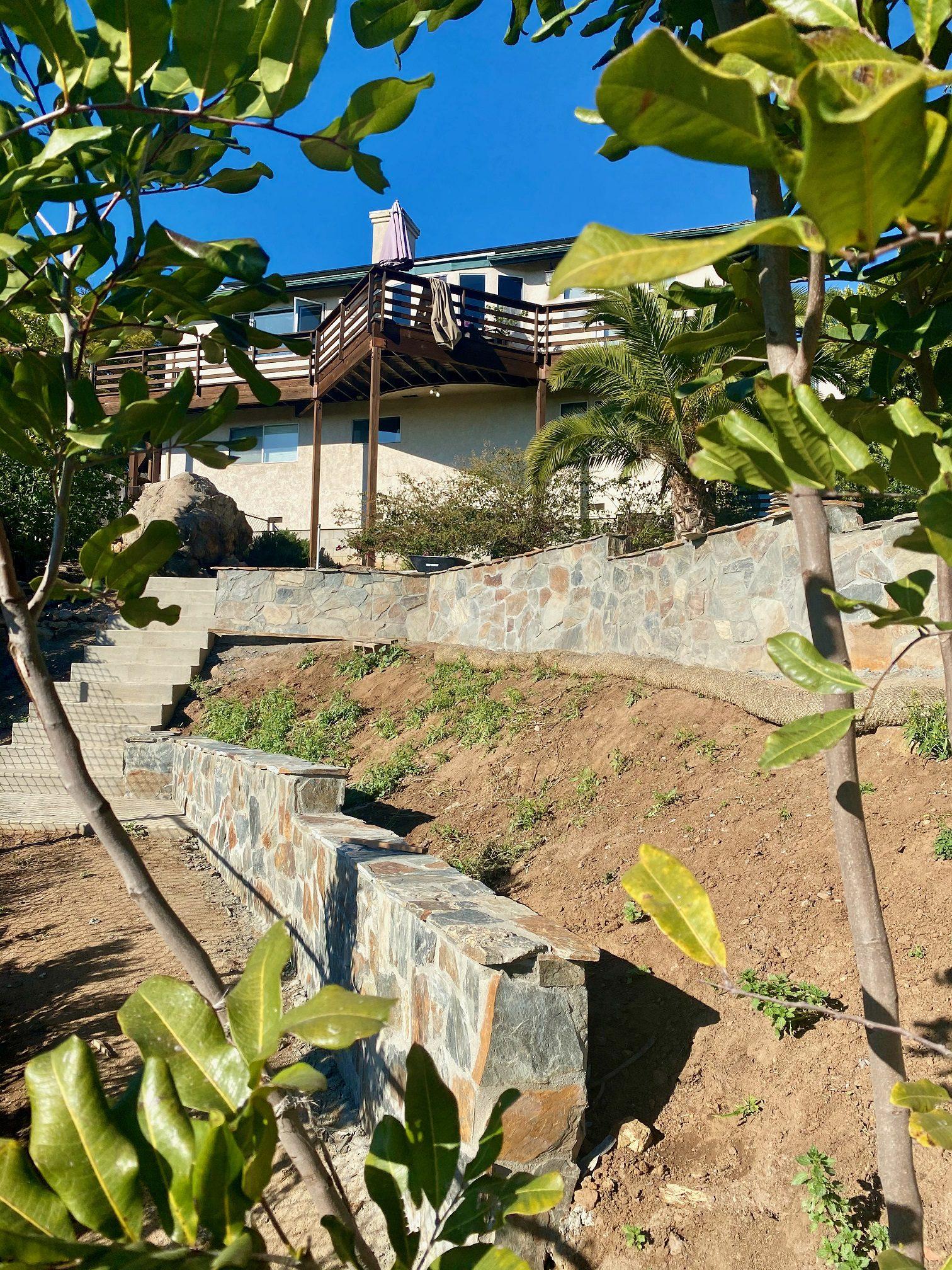 Bonavista Real Stone Veneer Retaining Wall Application