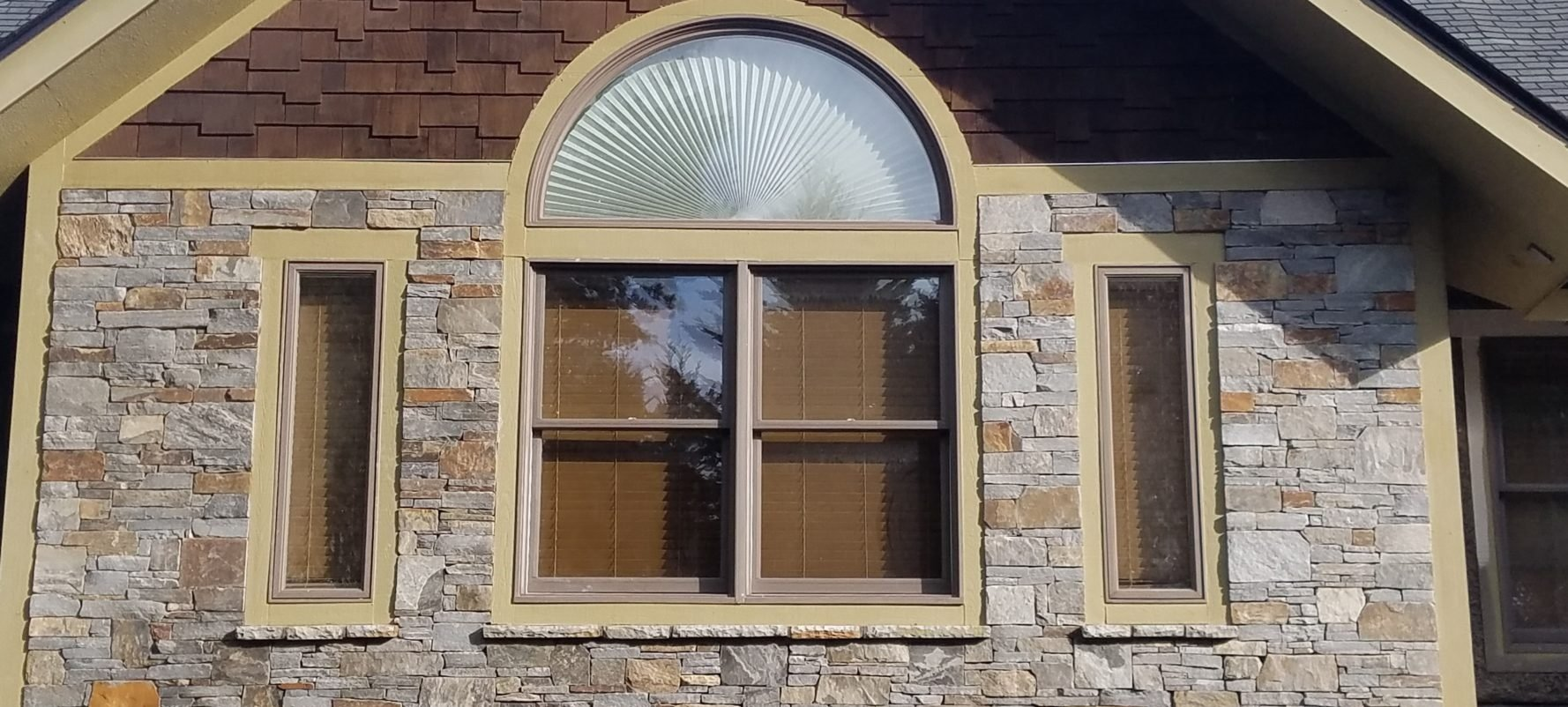 Augusta and Rochester Blend Natural Thin Stone Veneer Exterior