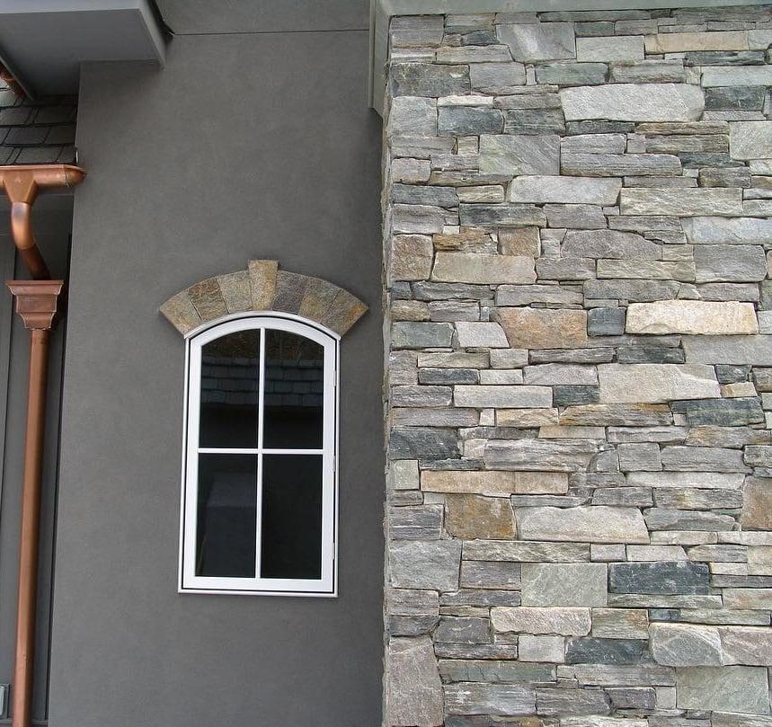 Brighton and Shadow Vista Blend Natural Thin Stone Veneer Exterior Accent Wall