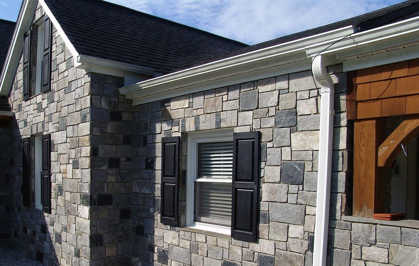 Carlisle and Springfield Custom Blend Real Thin Stone Veneer Exterior