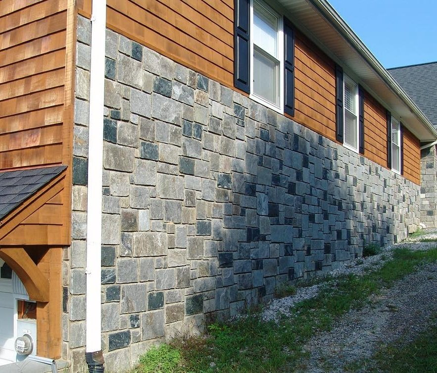 Carlisle and Springfield Natural Stone Veneer Blend Exterior