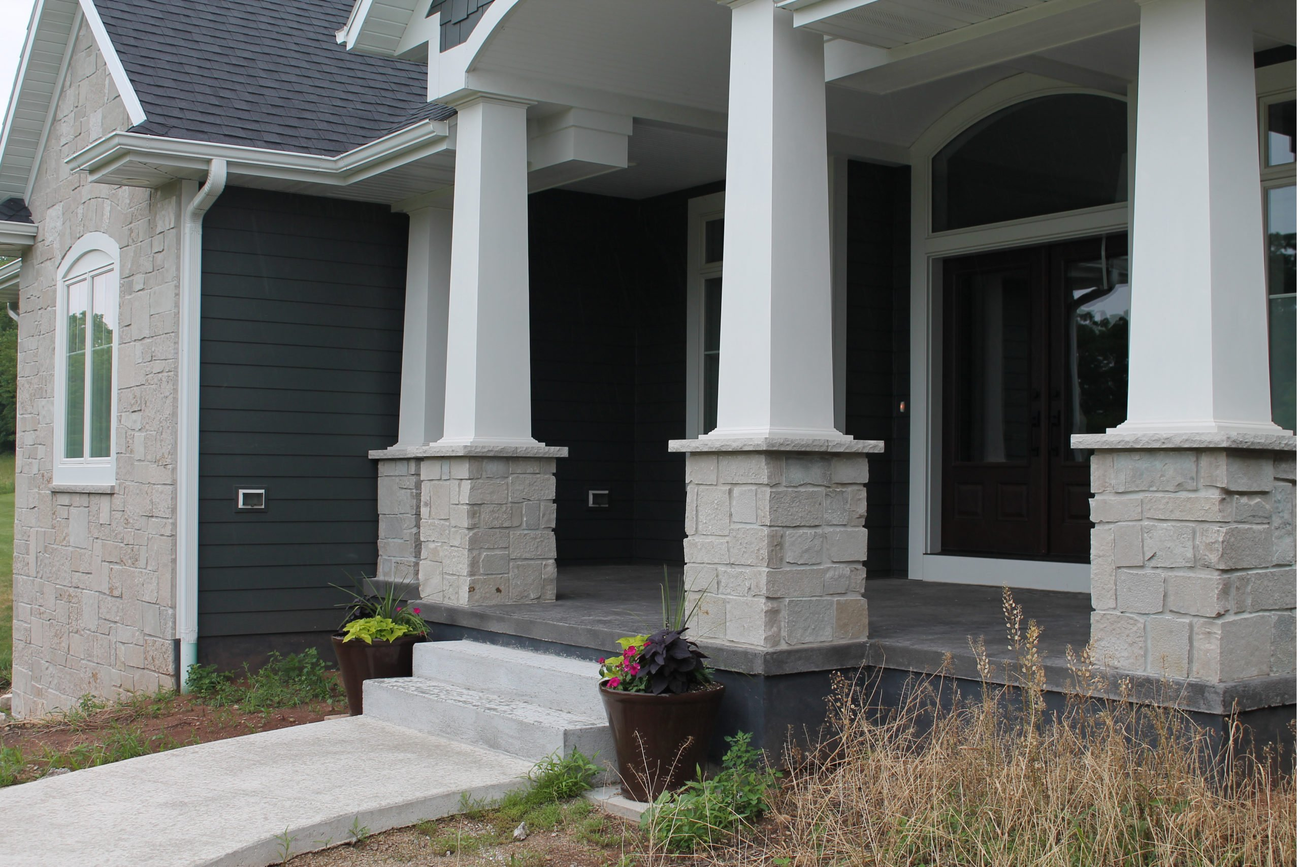 Fond du Lac Natural Castle Rock Style Real Stone Veneer Front Porch