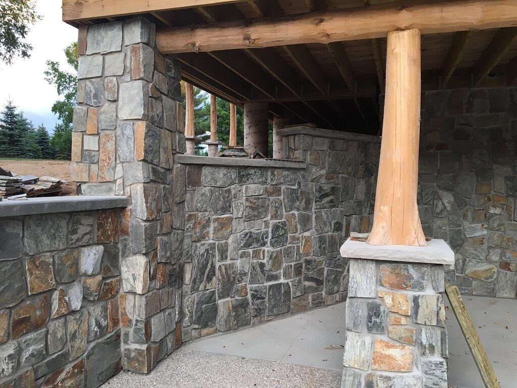 Rochester Castle Rock Style Real Stone Veneer Outdoor Living