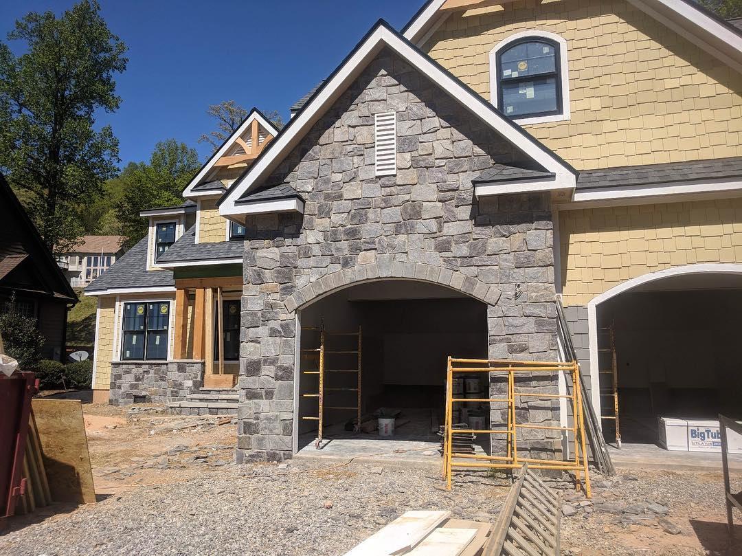 Berkley Castle Rock Natural Stone Veneer Garage