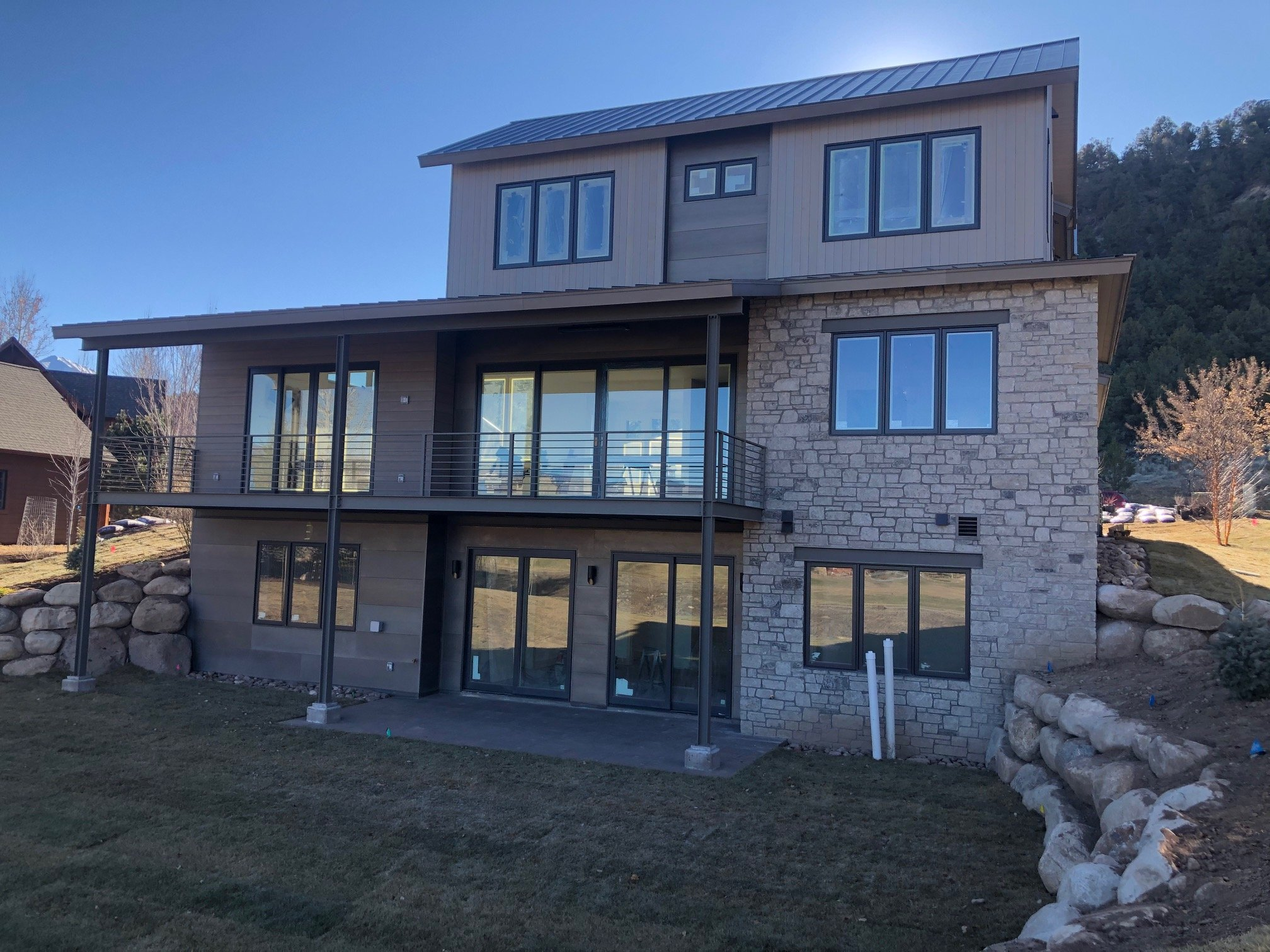 Country Snow Natural Thin Stone Veneer Exterior